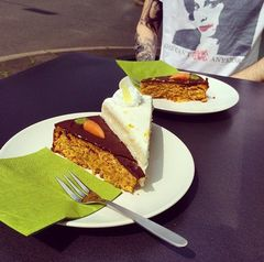 A photo of Carrot/Cake