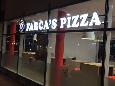 A photo of Farca's Pizza