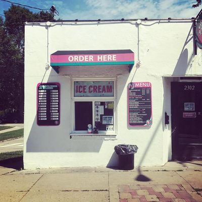 A photo of Chocolate Shoppe Ice Cream, Atwood Avenue