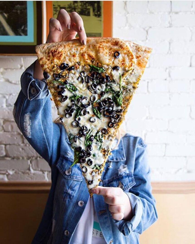 Lazy Moon Pizza, Mills 50