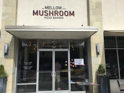 A photo of Mellow Mushroom, Avondale