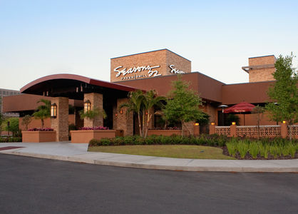 A photo of Seasons 52, Perimeter