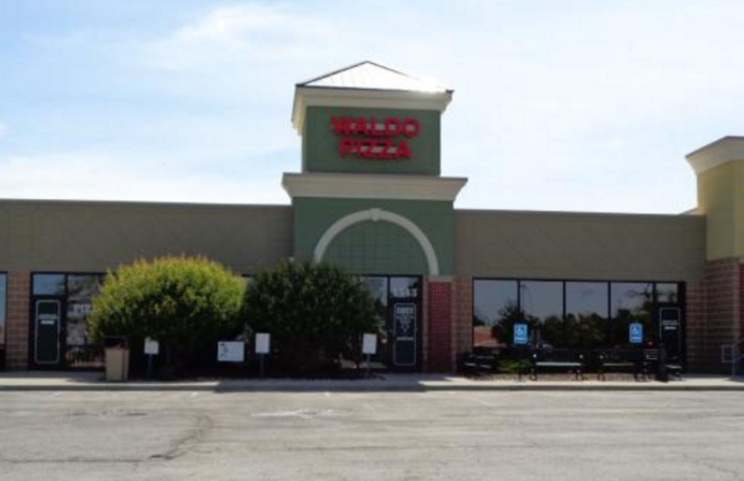 A photo of Summit Pizza