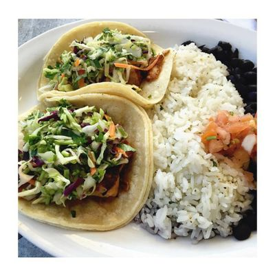 A photo of Wahoo's Tacos,South Coast Plaza
