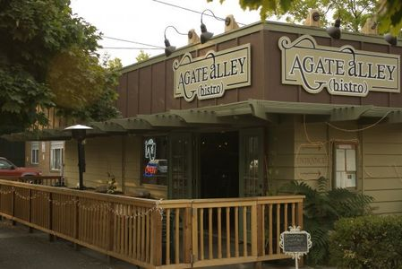 A photo of Agate Alley Bistro