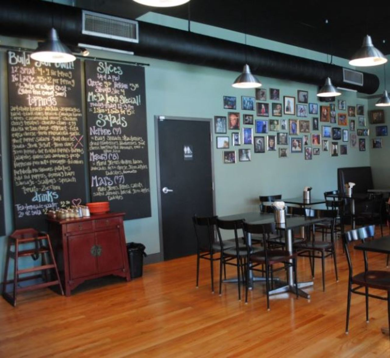 A photo of Flying Saucer Pizza Company