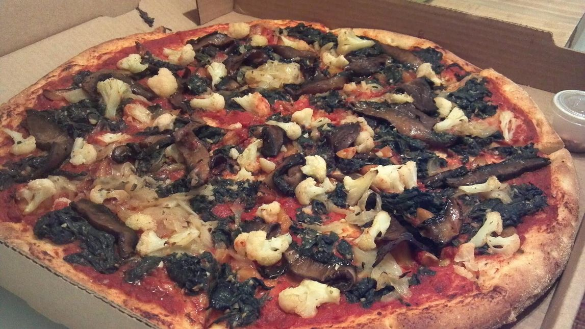 A photo of Pizza L'Vino