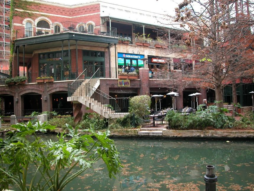 Paesanos Riverwalk