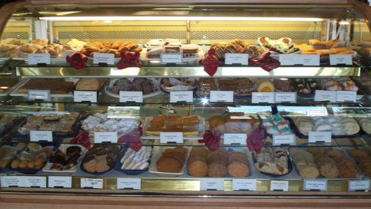 A photo of Selma's Mediterranean Bakery and Deli
