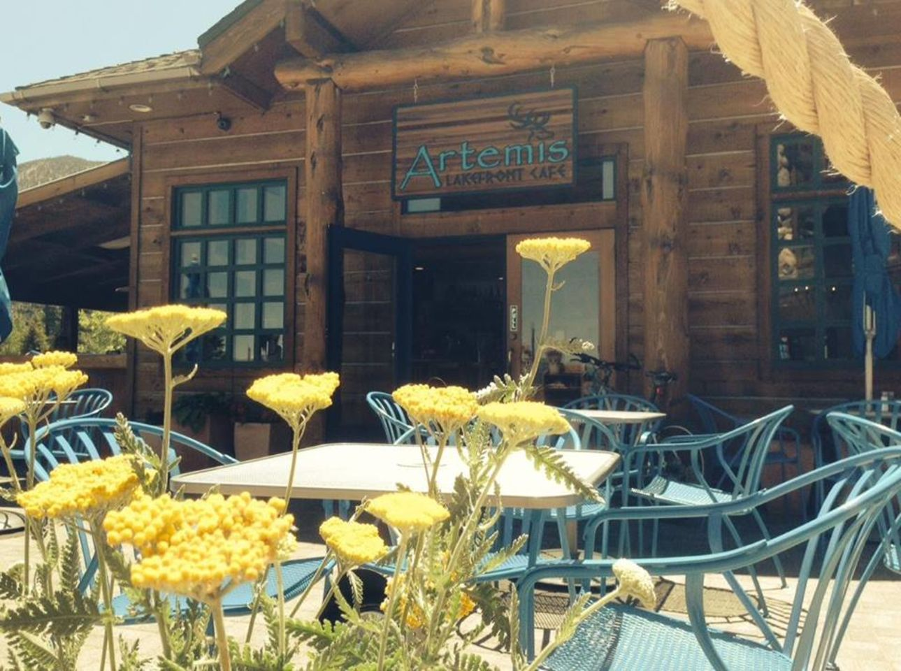 A photo of Artemis Lakefront Café