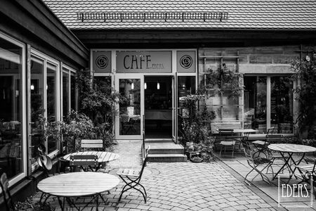 A photo of Café Eders.