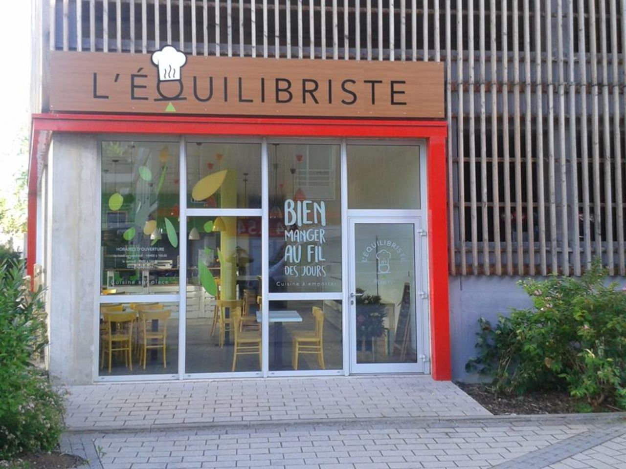 A photo of L'Equilibriste