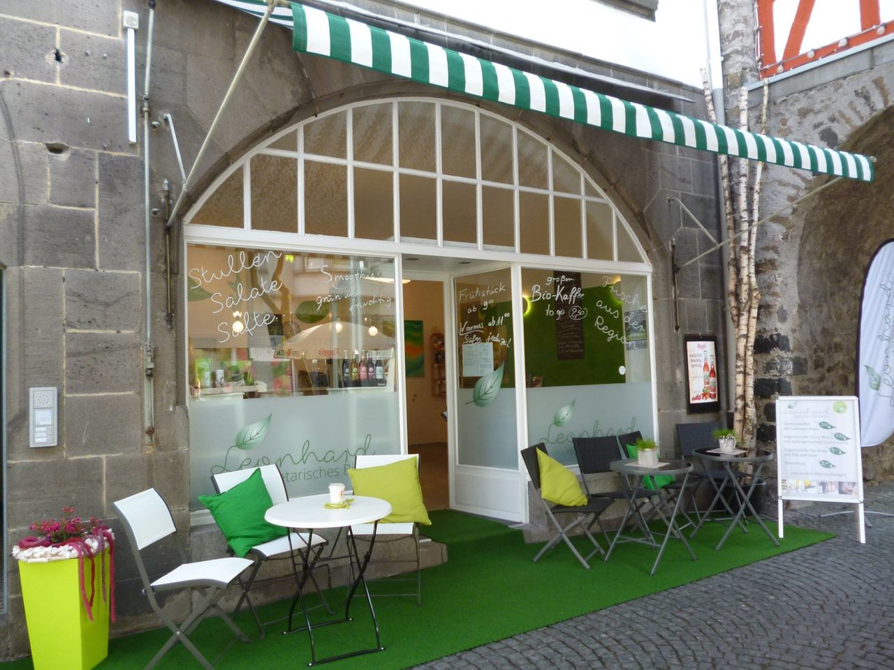 A photo of Leonhards Vegetarisches Bistro