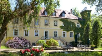A photo of Schlosshotel Ernestgrün