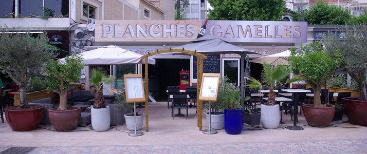 A photo of Planches et Gamelles