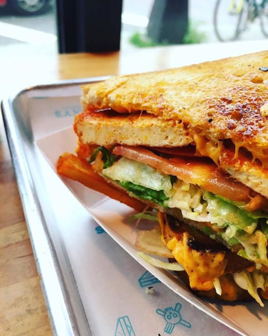 Roxy's Grilled Cheese & Burgers, Central