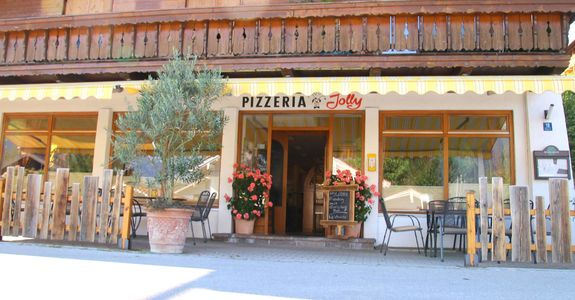 A photo of Pizzeria Jolly